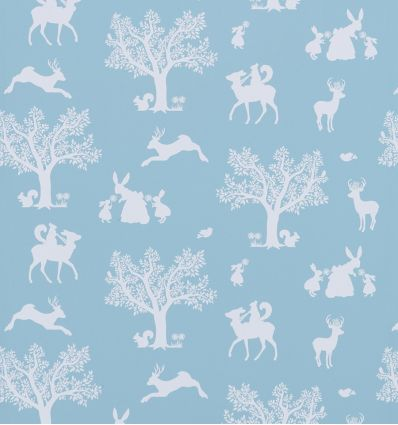 "hibou home - carta da parati ""enchanted wood"" (duck egg blue/white)"